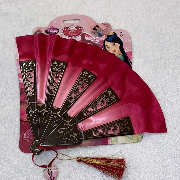 NWT Mulan fan